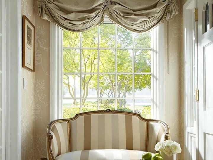 White picture window & colonial grilles