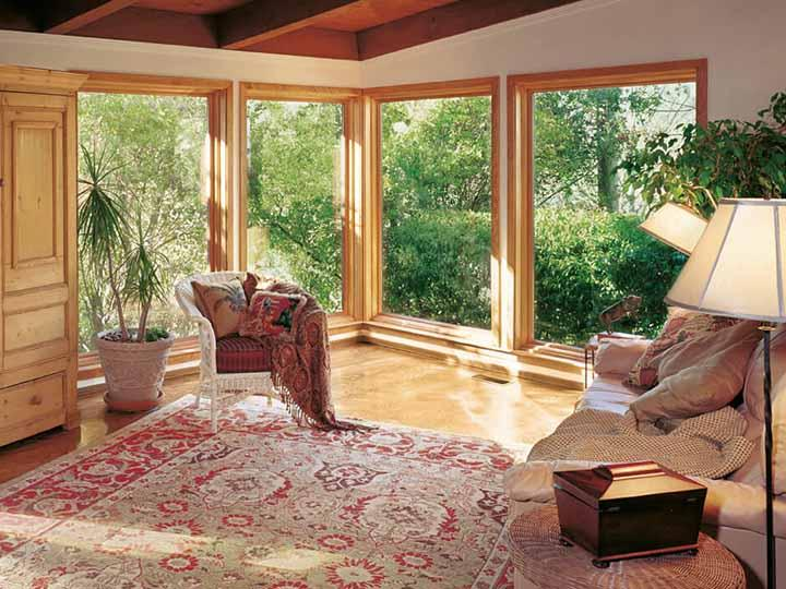 Big, beautiful picture windows make the most of the view from your home. Choose from many Renewal by Andersen replacement window styles to create combination windows that look great, work beautifully and will last for years to come.